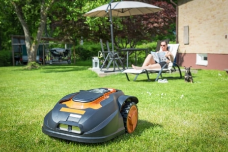 Top 10 Best Robotic Lawn Mowers in 2020