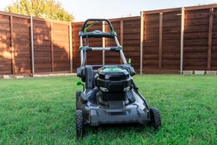 Top 15 Best Self-Propelled Lawn Mowers in 2020