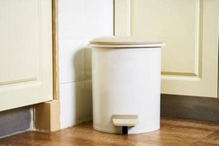 Top 15 Best Touchless Trash Cans in 2020