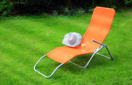 Top 15 Best Outdoor Lounge Chairs – Guide & Reviews for 2020